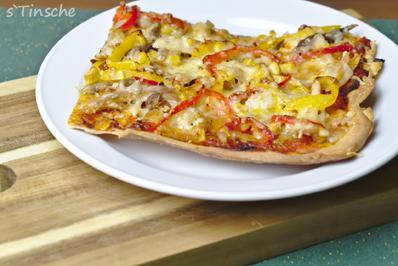 Rezept: Knusprige Hähnchen-Paprika-Pizza