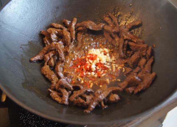 Chinesisches Rindfleisch mit Gemüse und Basmati Reis - Rezept - Bild Nr. 9