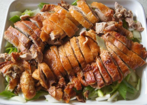 Ente auf Gemüsebett mit Erdnusssauce, Champignons und gelber Basmatireis - Rezept - Bild Nr. 6