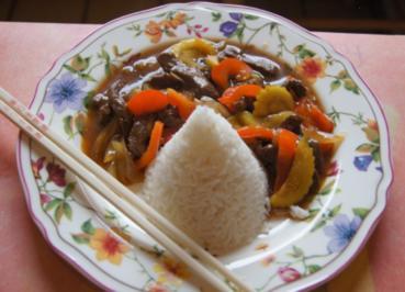 Rindfleisch mit Paprika, Zucchini, Zwiebeln und Basmati-Reis - Rezept - Bild Nr. 2