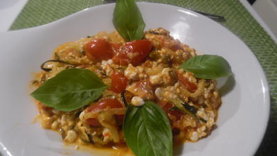 Zoodles (Zucchini-Spaghetti) mit Hüttenkäse...auf italienisch - Rezept - Bild Nr. 6739