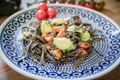 Algenpasta mit Avocado und Tomaten - Rezept - Bild Nr. 6761