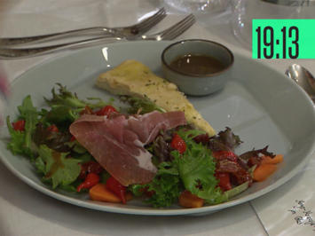 Papaya-Salat mit Parmaschinken und selbstgebackenem Pizzabrot - Rezept - Bild Nr. 2