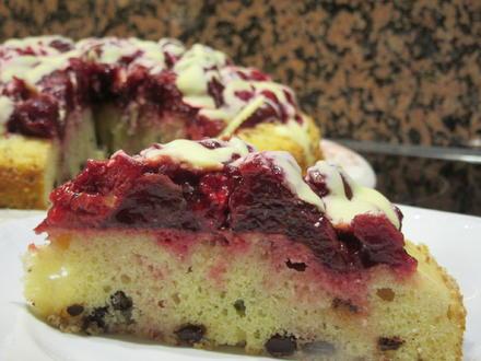 Backen: Rote Grütze trifft auf Stracciatella-Kuchen - Rezept - Bild Nr. 6826