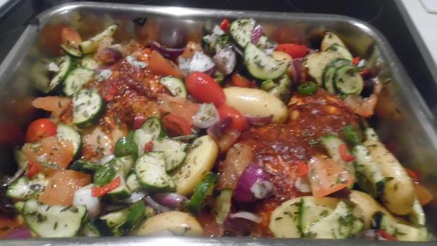 Hähnchenschenkel mediterran mit Ofen-Gemüse - Rezept - Bild Nr. 6873