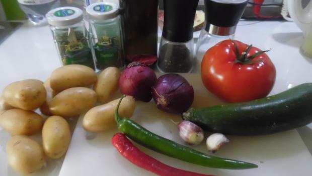 Hähnchenschenkel mediterran mit Ofen-Gemüse - Rezept - Bild Nr. 6880