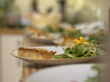 Feigen Mit Honig überbacken Und Schafskäse Rezepte Kochbarde