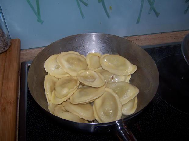Lamm-Lachs mit Champignon-Soße und  Tortellini (gefüllt mit Ziegenkäse u. Honig) - Rezept - Bild Nr. 6905