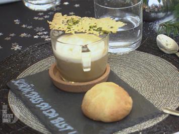 Rezept: Maronencreme-Cappuccino mit Amaretto-Sahne und Parmesanchip