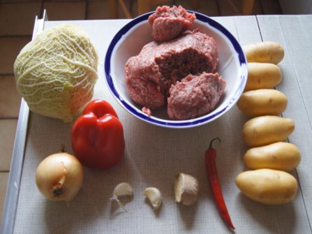 Hackfleisch mit Wirsing im Wok mit Kartoffeln - Rezept - Bild Nr. 3