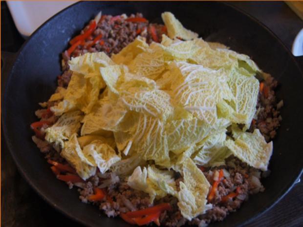 Hackfleisch mit Wirsing im Wok mit Kartoffeln - Rezept - Bild Nr. 13