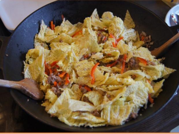 Hackfleisch mit Wirsing im Wok mit Kartoffeln - Rezept - Bild Nr. 14
