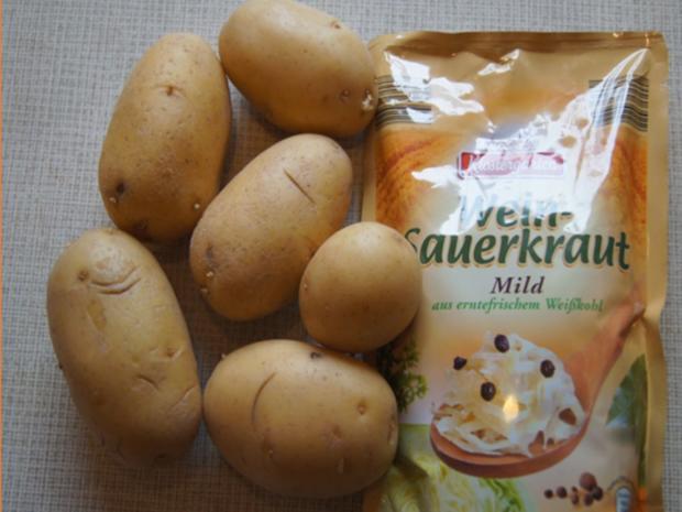 Eisbein mit pikanten Sauerkraut, Kartoffeln und Meerrettichsauce - Rezept - Bild Nr. 7