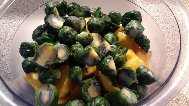 Kartoffel - Rosenkohl - Salat - Rezept - Bild Nr. 6991