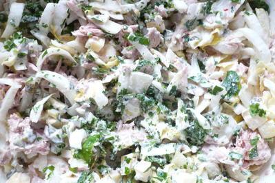 Rezept: Chicoreesalat mit Thunfisch