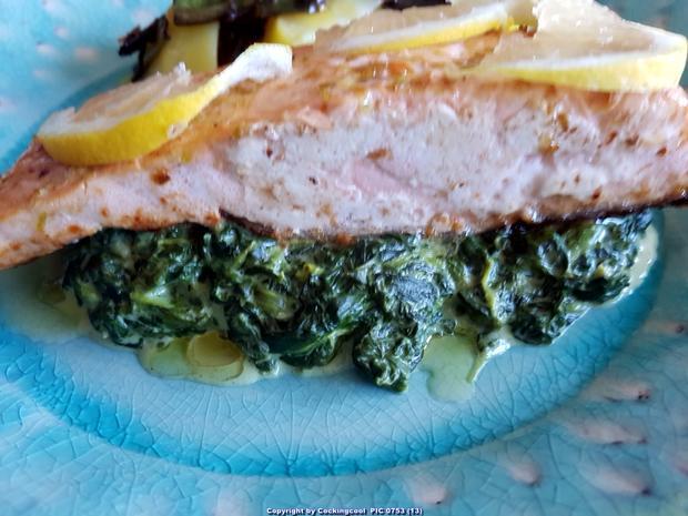 Biggi`s Fisch = Lachs an Käse-Creme-Spinat und Salzkartoffel - Rezept - Bild Nr. 7035