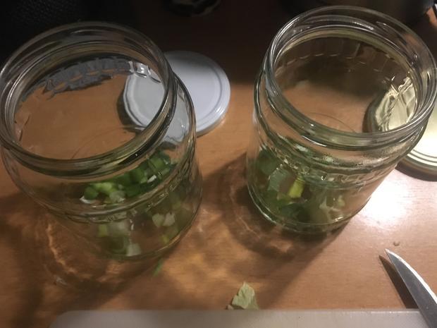 Salat im Glas: Gemischter Salat mit Radieschen - Rezept - Bild Nr. 3