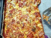 Pizza (wenn das Fleisch nicht drauf liegen würde sogar VEGAN) - Rezept - Bild Nr. 2
