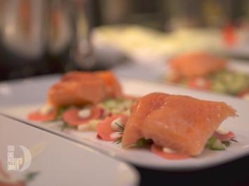 Lachs an Apfel-Gurken-Radieschen-Salat und Wasabi-Gurken-Eis - Rezept - Bild Nr. 7063