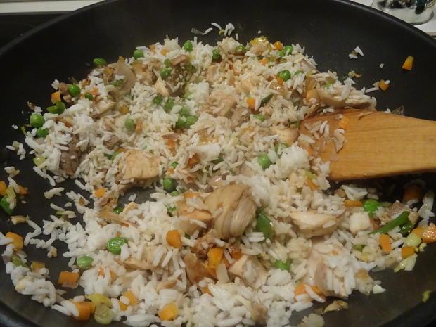 Gebratener Eier-Reis mit Huhn - Rezept - Bild Nr. 7061