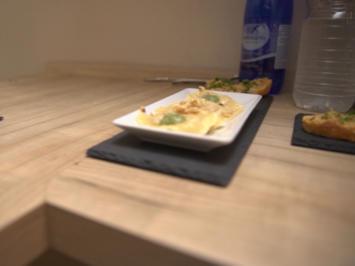 Rezept: Ravioli mit Gorgonzola, Birne und Walnüssen
