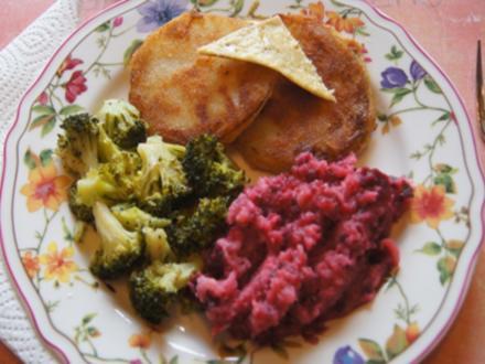 Kohlrabi-Schnitzel mit Brokkoli und Rote Bete-Sellerie-Stampf - Rezept - Bild Nr. 7163