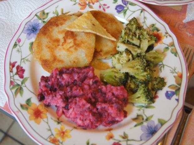 Kohlrabi-Schnitzel mit Brokkoli und Rote Bete-Sellerie-Stampf - Rezept - Bild Nr. 7177