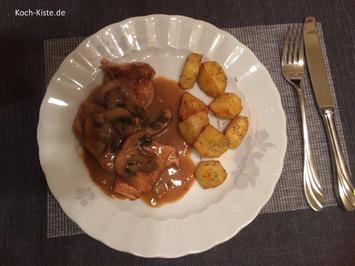 Schnitzel in Champignonsoße mit Knusperkartoffeln - Rezept - Bild Nr. 7195