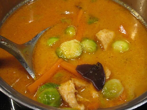Suppen: Rosenkohlsuppe mit Glasnudeln - Rezept - Bild Nr. 7212