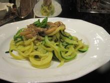 """Gemüse: """"Nudeln"""" mit Pilzsoße - Rezept - Bild Nr. 7213"""
