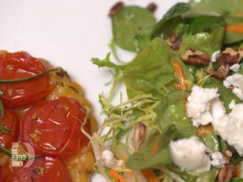 Rezept: Tomaten-Tarte-Tatin mit Salat der Saison