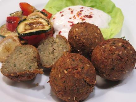 Vollkost: Falafel aus Linsen mit lauwarmem Grillgemüse - Rezept - Bild Nr. 7549