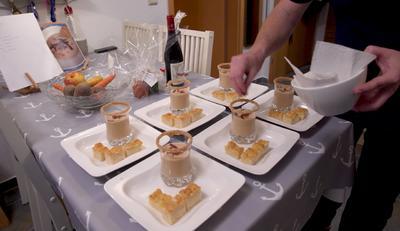 Silvaner-Mandel-Suppe mit Eberswalder Salamigeröstl und Focaccia - Rezept - Bild Nr. 7603