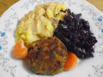 Pikante Rindermett Buletten mit Rotkohl, Pastinaken-Kartoffel-Stampf und Sauce - Rezept - Bild Nr. 2