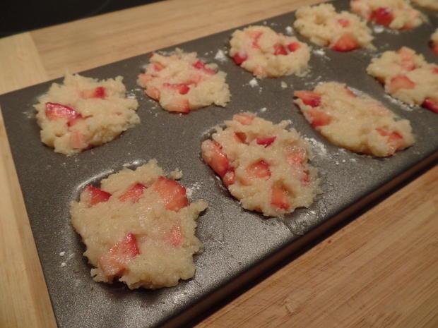 Mandel-Erdbeer-Madeleines mit Obstsalat - Rezept - Bild Nr. 7624