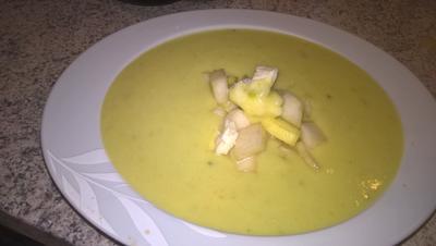 Zucchinisuppe mit Birne und Gorgonzola - Rezept - Bild Nr. 2