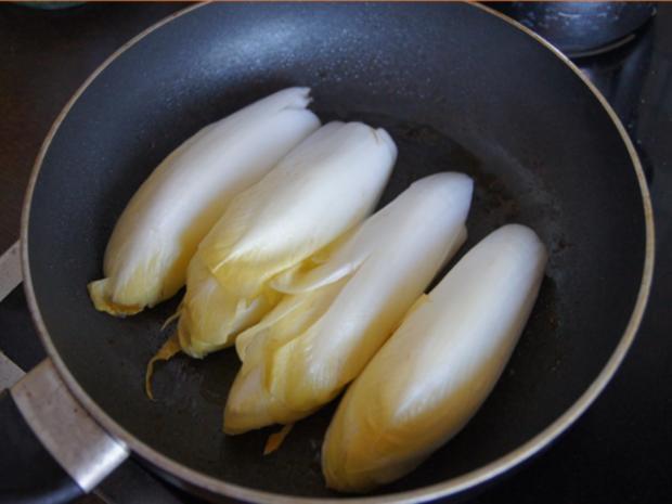 Hähnchenbrustfiletschnitzelchen mit Chicoree und Knollenselleriestampf - Rezept - Bild Nr. 7642