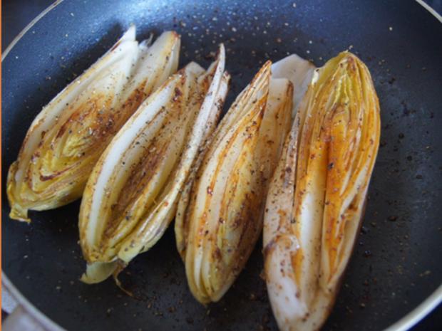 Hähnchenbrustfiletschnitzelchen mit Chicoree und Knollenselleriestampf - Rezept - Bild Nr. 7644