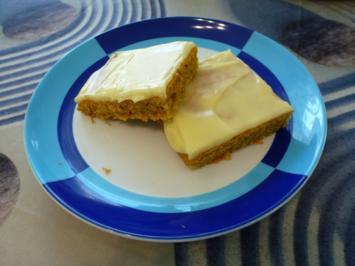 Möhren-Blechkuchen mit cremigem Aufstrich - Rezept - Bild Nr. 7643
