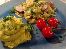 Spitzkohl-Bratwurst-Pfanne mit Kartoffel-Gemüse-Püree - Rezept - Bild Nr. 7668