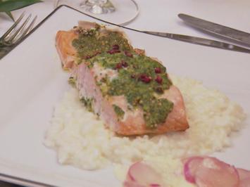 Rezept: Schottischer Lachs mit einer Korianderkruste auf schneeweißem Risotto
