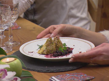 Rezept: Bäumchen mit Rosmarin-Beeren-Kompott