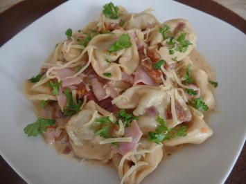 Rezept: Tortellini in Schinkenschmand-Sauce