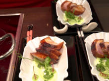 Geflammtes Cobia-Sashimi mit Salat und Soja Glaze - Rezept - Bild Nr. 7696