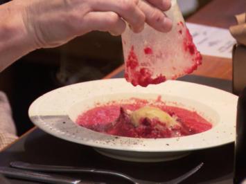 Fränkische Gazpacho, Rote-Bete-Süppchen mit Apfel und selbstgebackenes Brot - Rezept - Bild Nr. 3