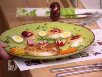 Bunter Salat an gebratenenem Ziegenkäse mit Rotbarschfilet im Kokosmantel - Rezept - Bild Nr. 3