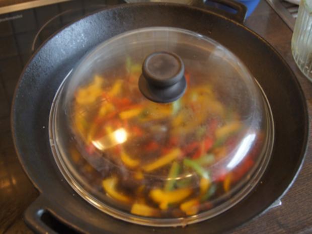 Rindfleisch-Paprika-Wok mit gelben Basmatireis - Rezept - Bild Nr. 7714