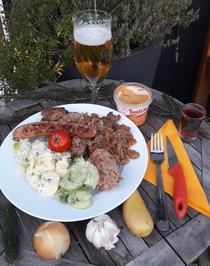 Balkan-Schüttelfleisch mit Salat Sofia - Rezept - Bild Nr. 2