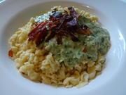Dinkel-Knöpfle mit Spinat-Käsesoße und Schinken-Chips - Rezept - Bild Nr. 7735