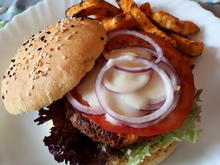 Tex-Mex Bean-Burger and Sweet Potato Fries - Rezept - Bild Nr. 7735